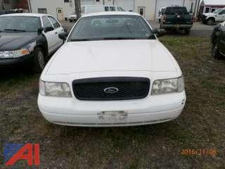 2001 Ford Crown Victoria 4D