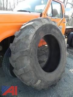NEW-NEVER USED Armstrong Heavy Duty R-4 16.9-28 Tire (#10)