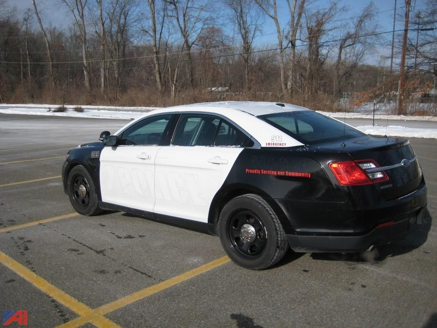 auctions international auction town of ulster pd 9772 item 2013 ford taurus 4dsd police. Black Bedroom Furniture Sets. Home Design Ideas