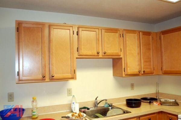 Auctions International Auction Onondaga Community College Dorm Renovation Item Kitchen Cabinets Craftwood By Crotone Kitchens Inc