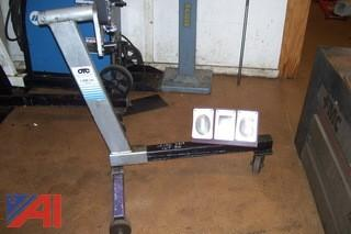 OTC 1000lb Capacity Engine Stand