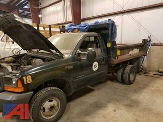 2001 Ford F350 Super Duty Dump Truck