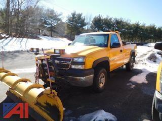 2005 Chevy Silverado 2500 HD Pickup w/ Plow