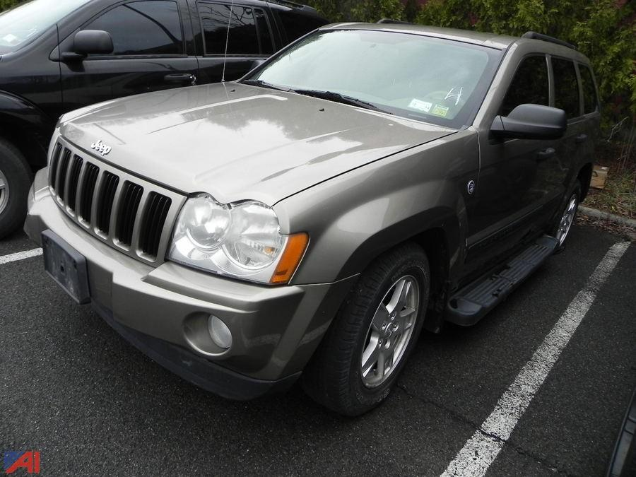 auctions international auction city of albany p d 10577 item 2006 jeep grand cherokee. Black Bedroom Furniture Sets. Home Design Ideas