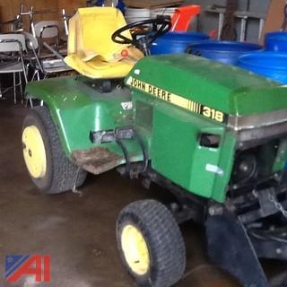 John Deere 318 Lawn Mower