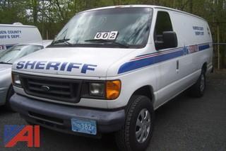 2004 Ford E350 Prisoner Van