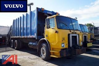 2001 Volvo Refuse Truck Leach Rear Loader/S-148