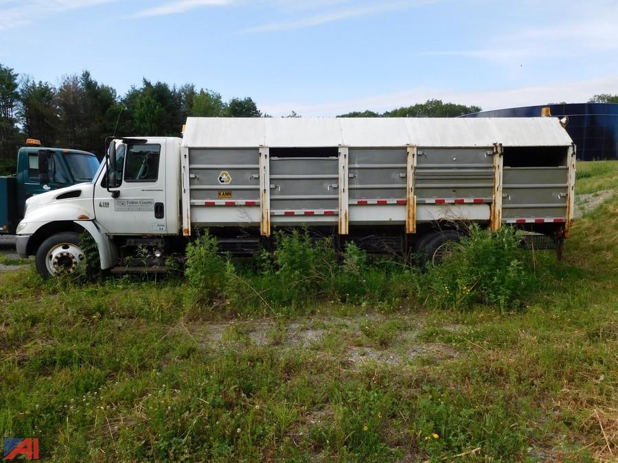 2005 International 4200 LP A Frame Recycling Truck