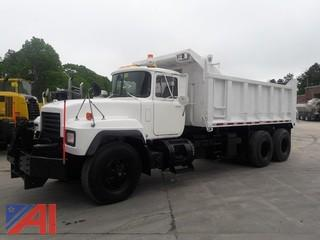 2000 Mack RD688S Dump/Spreader