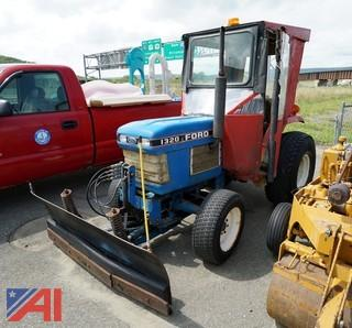 1990 Ford New Holland 1320 4WD Tractor with Dozer Blade