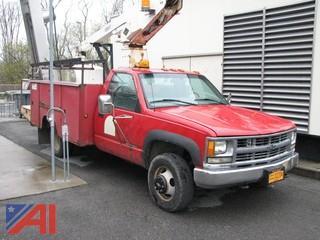 2000 Chevrolet 3500 Bucket Truck