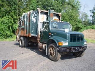 2000 International 4700 Packer/Garbage Truck