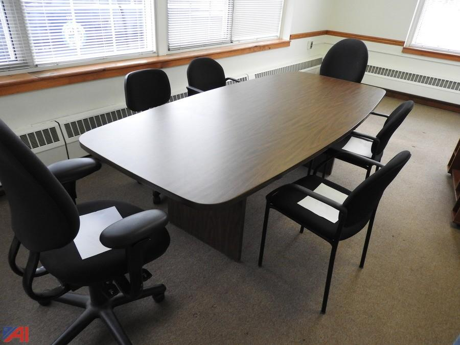 Auctions International Auction Town Of Colonie ITEM Wood - Oblong conference table