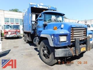 1998 Mack RD688 Leach Packer