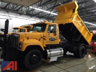 2002 International 2574 Dump Truck with Plow