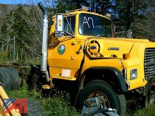 1989 Ford LT9000 Cab and Chassis