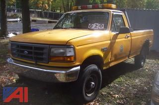 1996 Ford F250 4x4 Pickup with lift gate