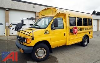 2006 Ford E350 Super Duty Corbeil Bus