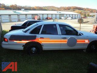 1997 Ford Crown Victoria 4DSD/Police Interceptor