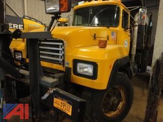 1999 Mack RD688P Dump Truck