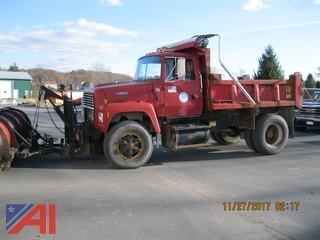1994 Ford L9000 Dump w/ Plow