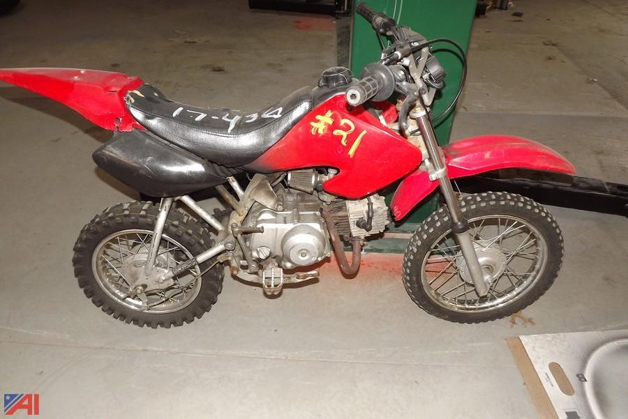 Auctions International Auction Brookhaven Impound Vehicles Ny 12900 Item Honda Dirt Bike
