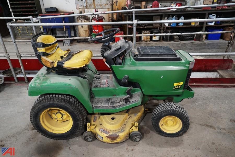 John Deere 345 Bumper : Auctions international auction town of wilson dpw ny