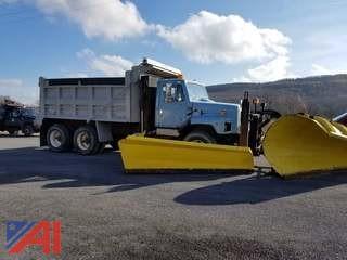 2001 International F2674 Dump with Plow