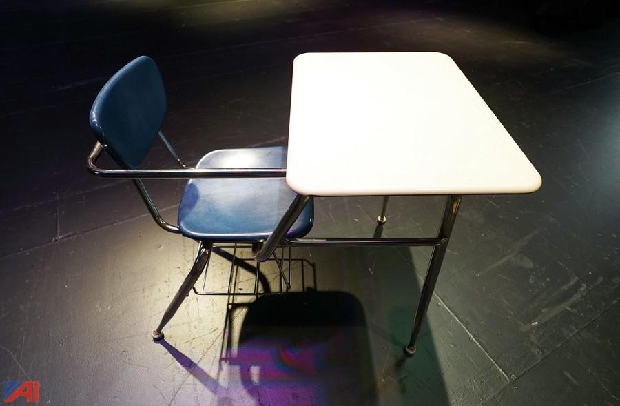 Swell Auctions International Auction Holley Csd Ny 13009 Item Caraccident5 Cool Chair Designs And Ideas Caraccident5Info
