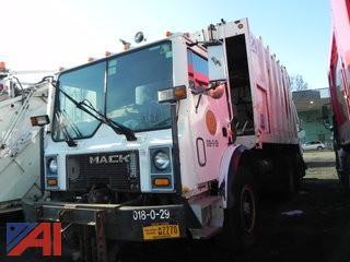 1995 Mack MR688S Garbage Truck
