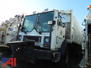 1998 Mack MR688S Garbage Truck