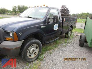 2005 Ford F350 Pickup with Utility Box