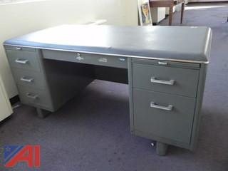 (#17) Globe-Wernicke Metal Desk