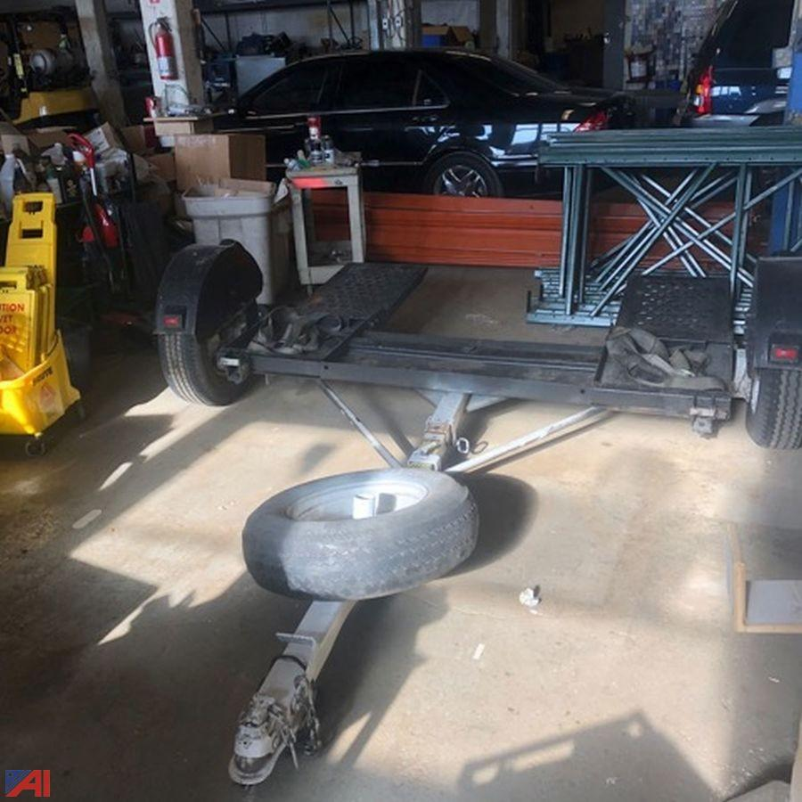 Car dolly used tow Tow Dollies