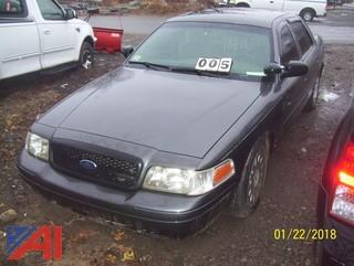 2004 Ford Crown Victoria 4 Door/Police Interceptor
