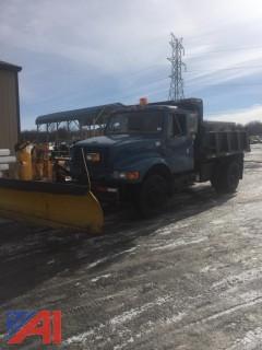2002 International 4700 Dump with Plow