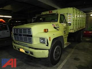 1994 Ford F700 Truck with Lift Gate