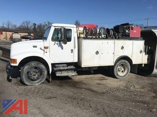 2000 International 4700 Utility Truck