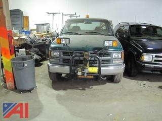 2000 Chevrolet CK2500 Utility Truck with Plow