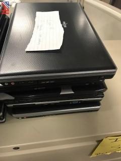 (4) Nexlink Laptop Computers
