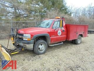 2002 Chevrolet 3500 Truck with Plow