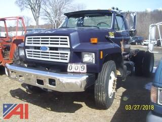1994 Ford F700 Cab and Chassis