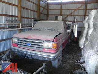 1989 Ford F250 Pickup w/ Horse Starting Gate