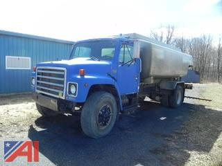 1989 International 1954 Truck w/ Water Tank