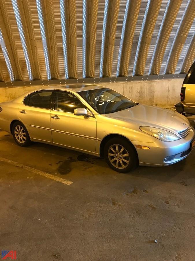 2004 Lexus ES330 4 Door. U2039u203a