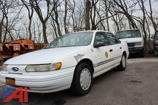 1995 Ford Taurus Sedan
