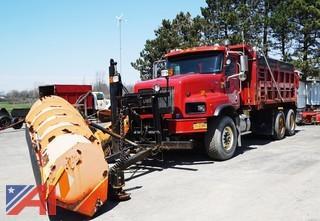 2002 International 5600i Dump & Spreader Truck with Plow