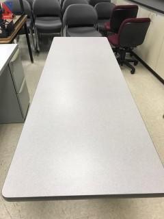 (19) Hon Tables