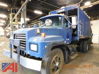 1998 Mack RD688S Garbage Truck