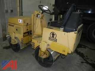 1996 Wacker RD880V Articulated Double Drum Roller